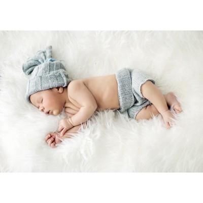 Puzzle  Grafika-01618 Konrad Bak: Baby sleeping in Feathers
